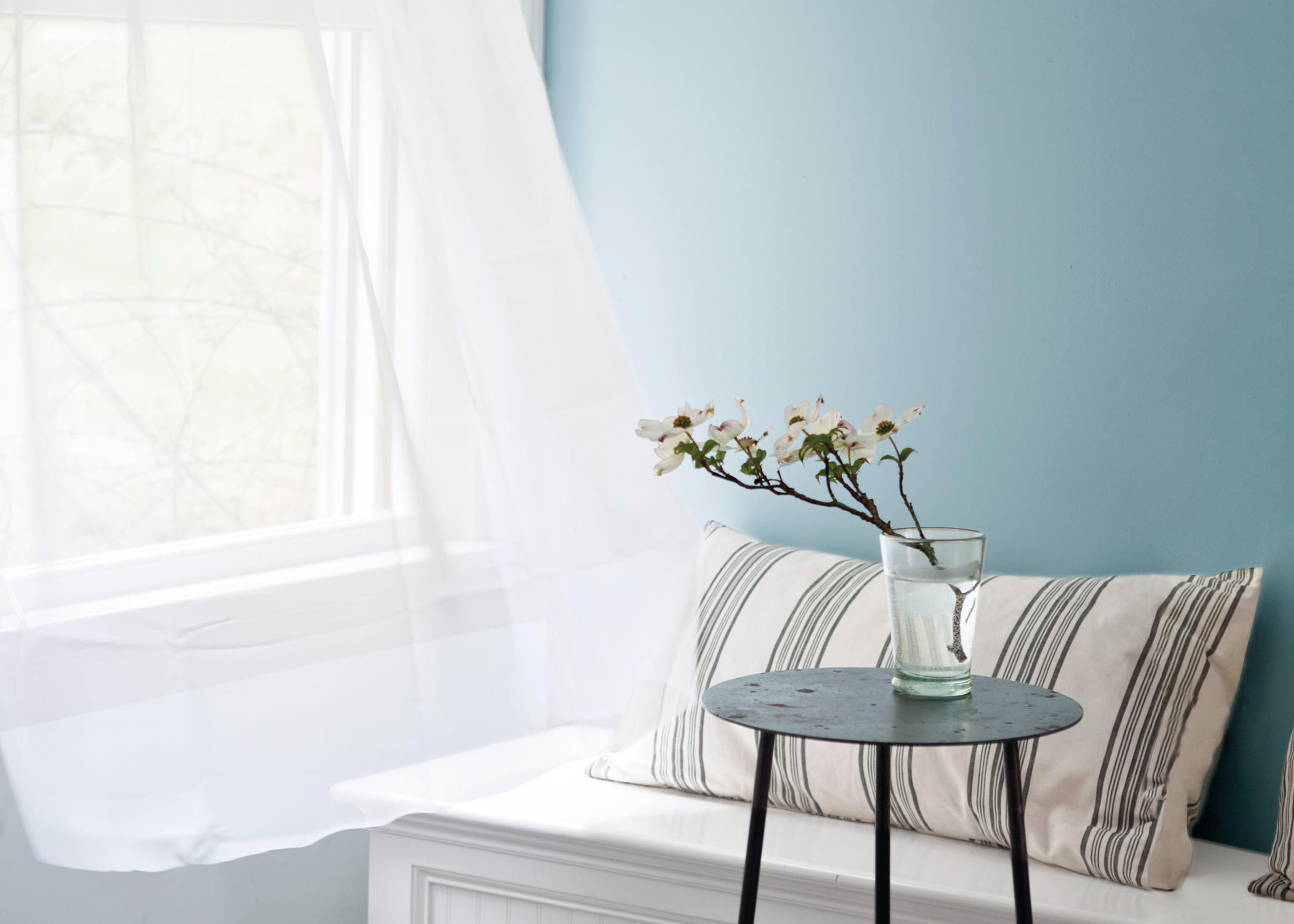 true-colours-penticton-benjamin-moore-paint-store