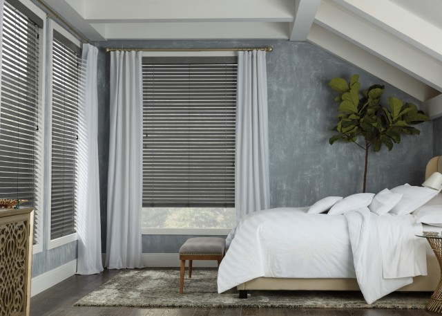 true-colours-hunter-douglas-wooden-blinds-in-penticton